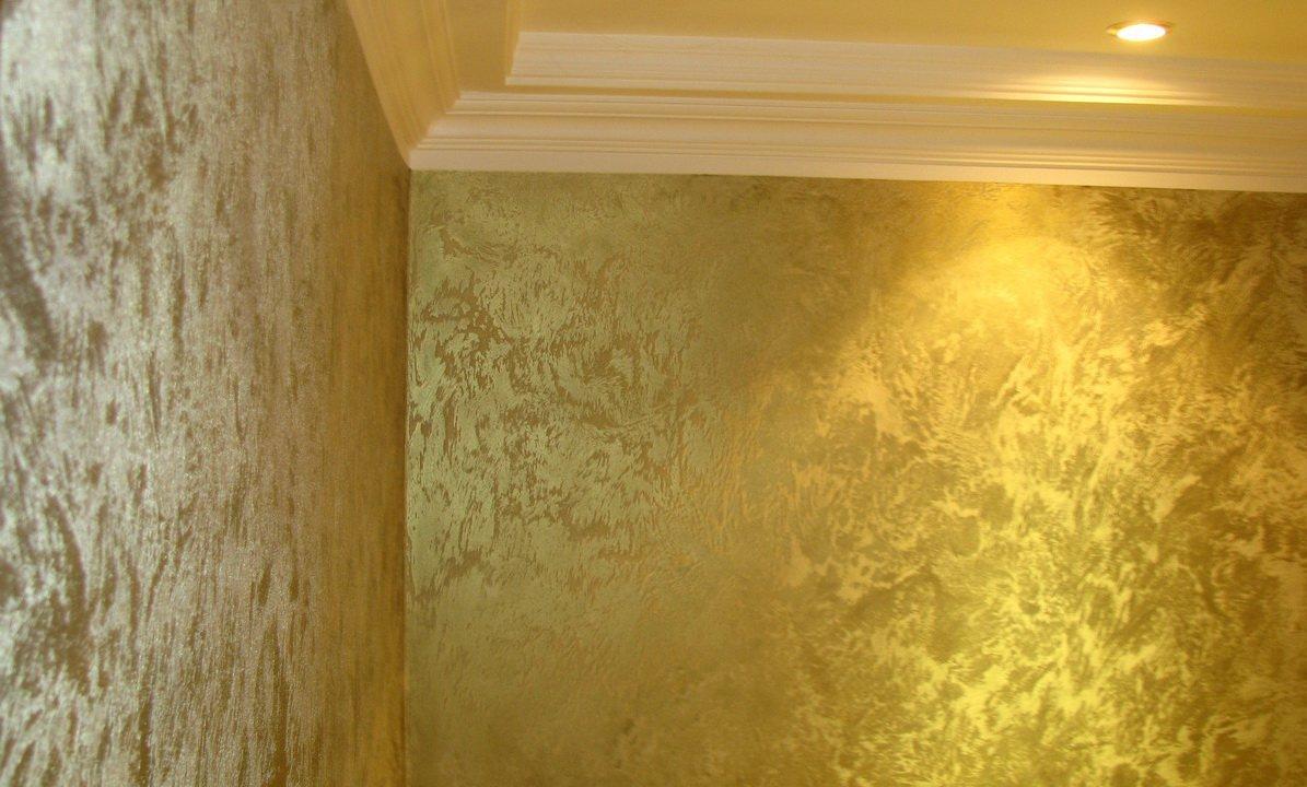 золотая структурная стена